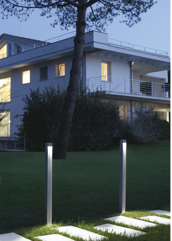 ARES Klein Outdoor Bollard Lighting