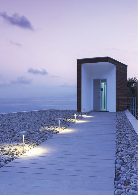 ARES Vincenza Outdoor Bollard Lighting