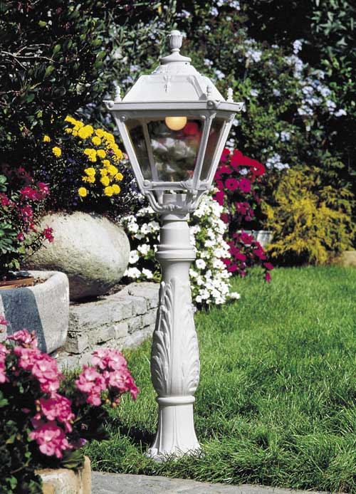 Iafet Post with Tobia Lantern