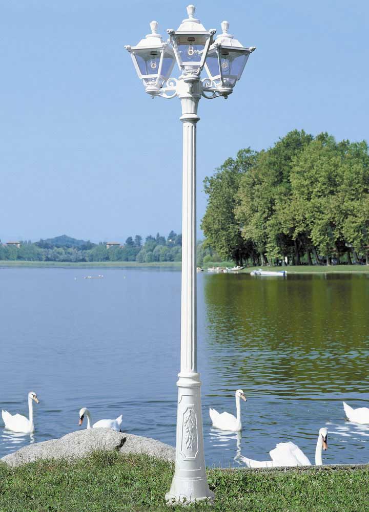 Ricu Post with Bisso Bracket & Golia Lantern